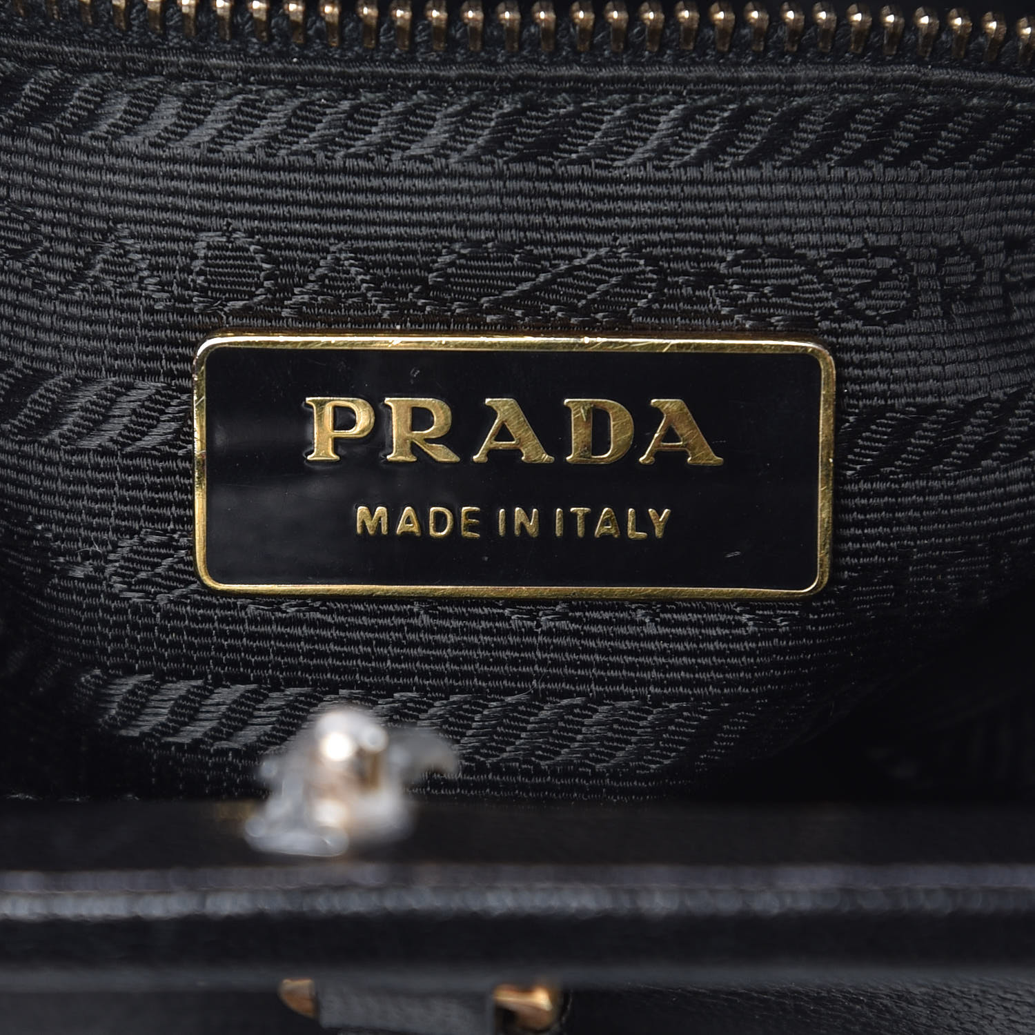 de88b2ade750 PRADA Goatskin Top Lock Bag Nero Black. Pinch/Zoom