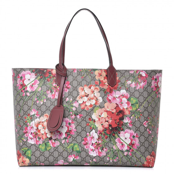 ad4a5f317 GUCCI Textured Calfskin GG Supreme Monogram Blooms Print Large Reversible  Tote Antique Rose 358438