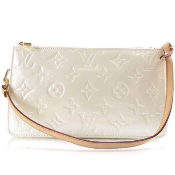 c2740c12b988 LOUIS VUITTON Vernis Lexington Pochette Perle 13306