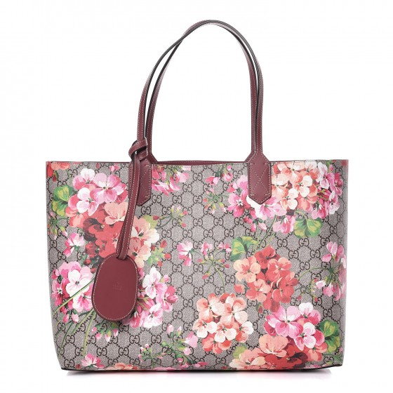 f905477bf GUCCI Textured Calfskin GG Supreme Monogram Blooms Print Medium Reversible  Tote Antique Rose 331696