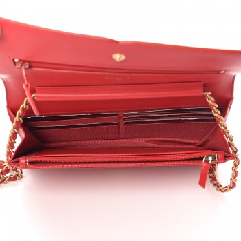 8d714ca6497d CHANEL Caviar Quilted CC Filigree Wallet On Chain WOC Red. Empty.  Pinch/Zoom. ‹ › ‹ ›